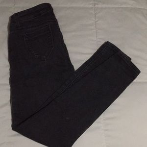 Black slimming skinny jeans